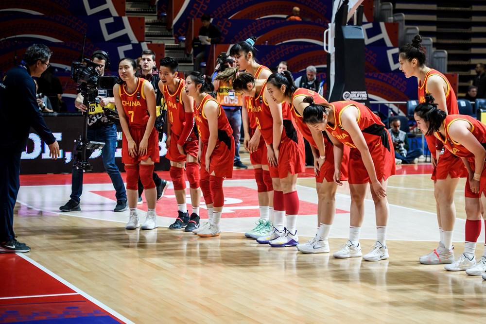 http://www.fiba.basketball/fr/oqtwomen/serbia/2020/team/China/#iset=a9fdb119-30ae-4bbd-a5f8-8f5a2d4cb3a6&iid=a9f0e1b4-76c0-471f-87ce-f5b9ead63c9d
